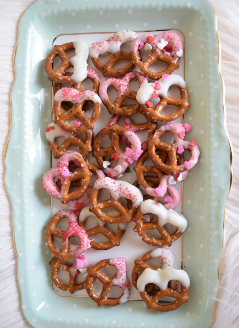 Easy Chocolate Covered Pretzels (perfect for bridal showers)
