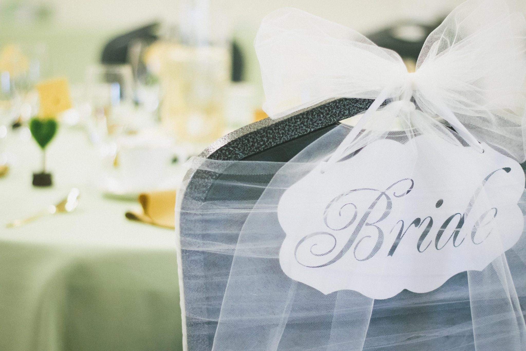 Tips and Tricks: Green and Gold Bridal Shower