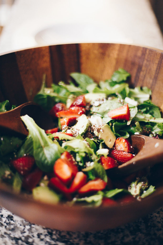 strawberry and avocado poppy seed salad