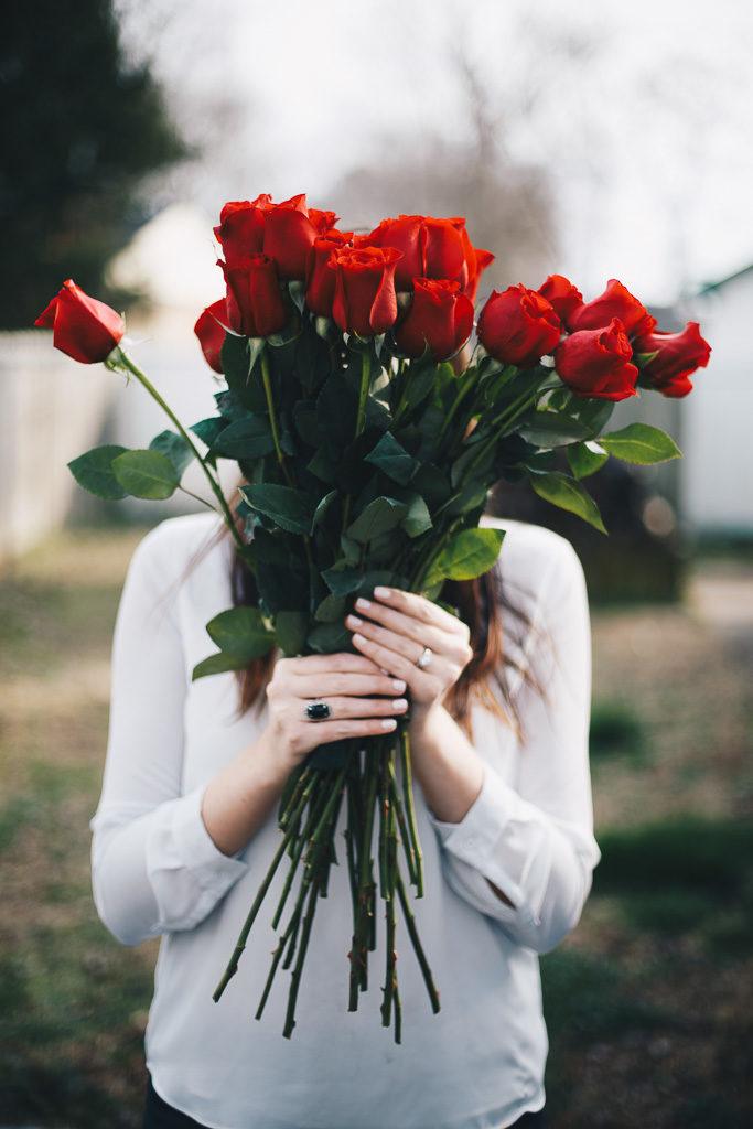 bouquet of red roses | jassamine elaine