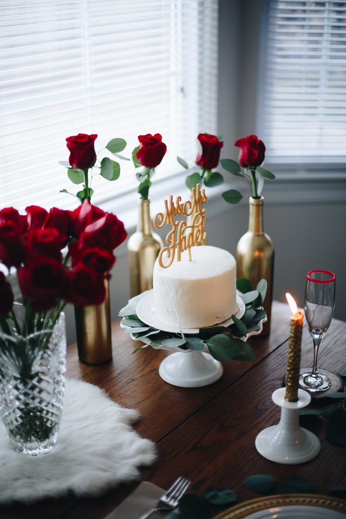 valentne tablescape, red roses