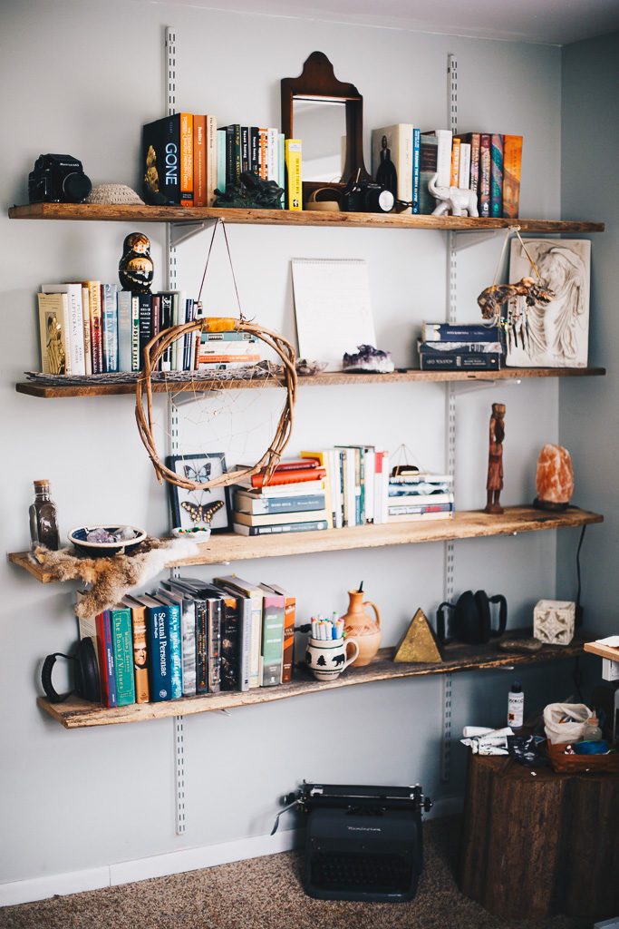 eclectic bedroom bookshelves