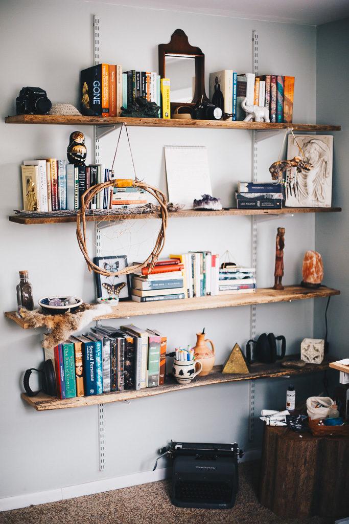 eclectic bedroom bookshelves