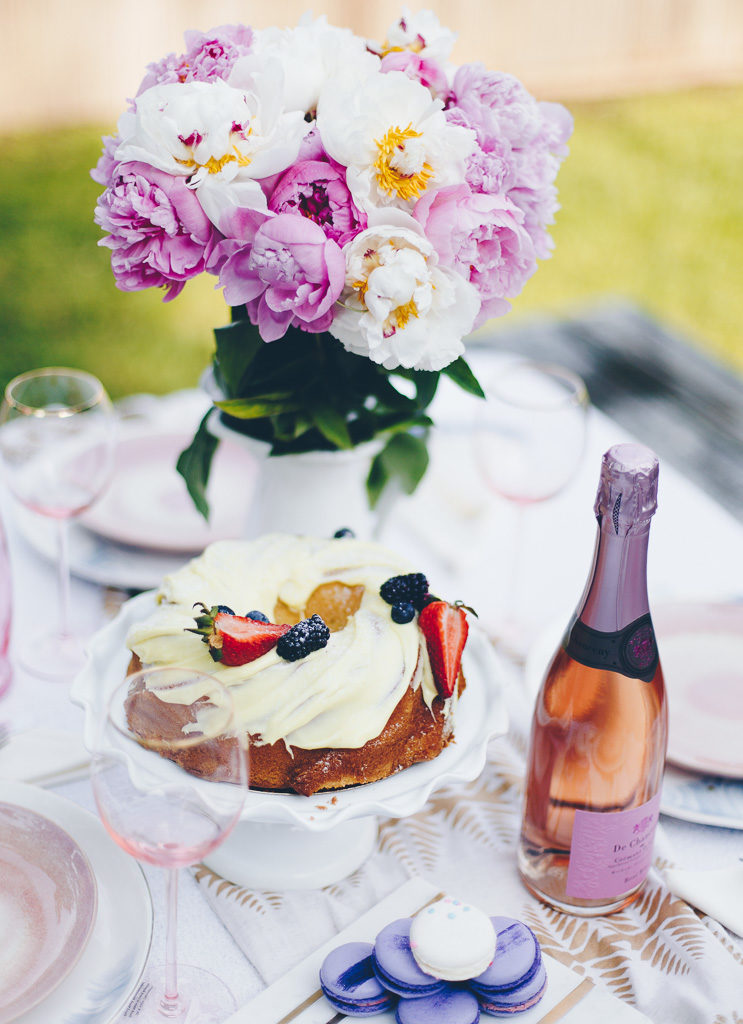 chic tablescape and rose